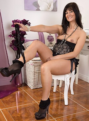 Hot Glamour Moms Porn Pictures