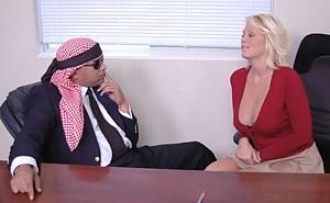 Hot Moms Secretary Porn Pictures