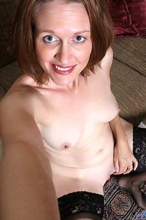 Hot Moms Selfshot Porn Pictures