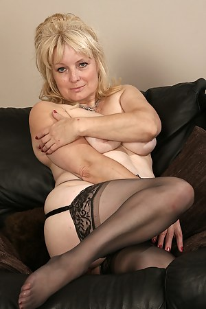 Hot Amateur Moms Porn Pictures