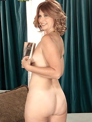 Hot Mature Moms Porn Pictures