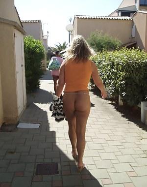 Hot Moms Public Porn Pictures