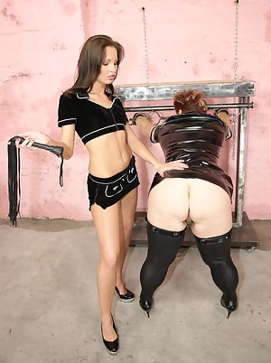 Hot Moms BDSM Porn Pictures