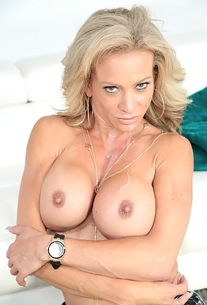 Hot Fake Tits Moms Porn Pictures