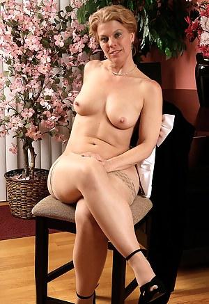 Hot Erotic Moms Porn Pictures