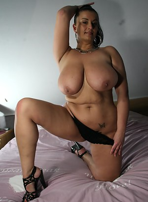Hot Saggy Tits Moms Porn Pictures