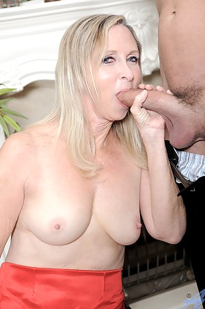 Hot Moms Big Cock Porn Pictures