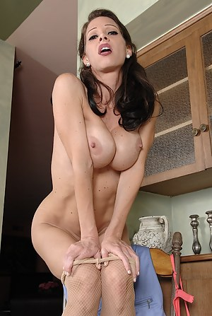 Hot Moms Kitchen Porn Pictures