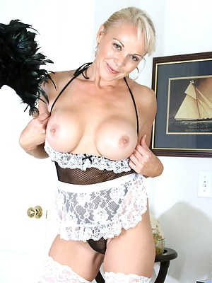Hot Moms Maid Porn Pictures